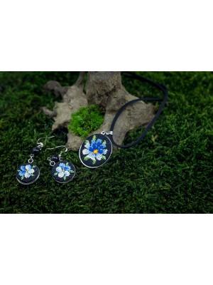 Handmade pendant and earrings, dreamy petunia Gobelin