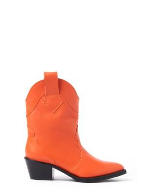 Orange boots By Laura Olaru