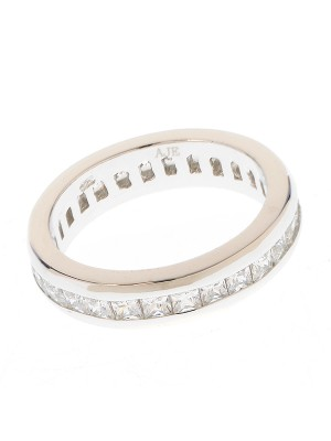 Clear Eternity Ring made of Sterling Silver